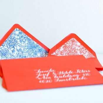 envelope-liner-rot-blau-florales-muster