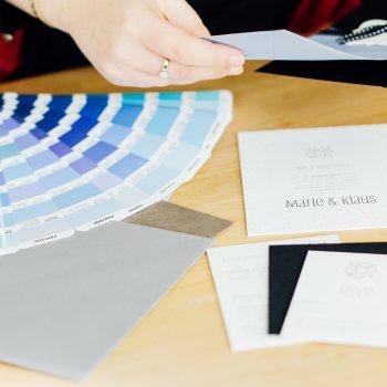 Beratung von der Farbe bis zum passenden Kuvert
