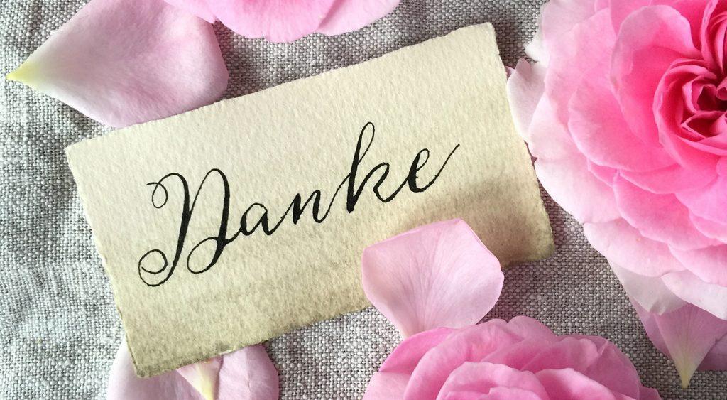 papier-liebe-danke-moderne-kalligrafie